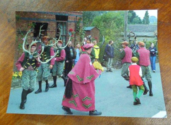 postcard horn dance