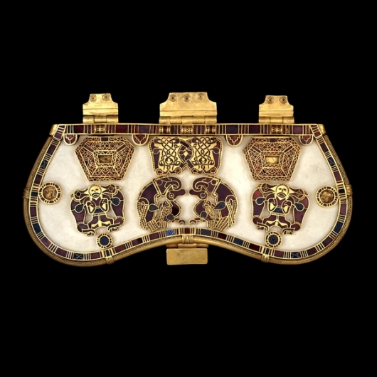 Purse clasp from Sutton Hoo. Image source: British Museum.