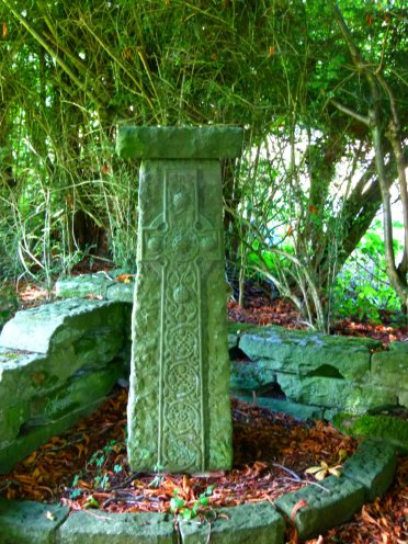 hammer stone with celtic cross, Ibstone