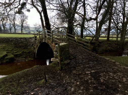 old-bridge-at-hawes